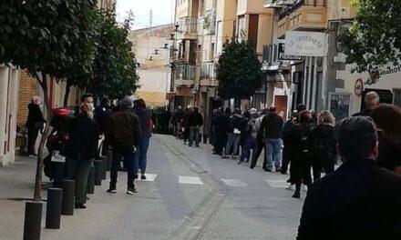 """Empresarios, pymes y autónomos de Villajoyosa desafían a Ximo Puig y se echan a la calle contra """"sus"""" asfixiantes medidas económicas"""