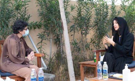 La ministra de Asuntos Exteriores visita Emiratos Árabes Unidos