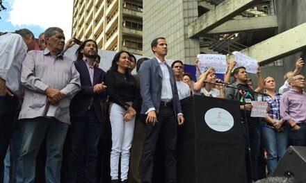Joe Biden reconoce a Juan Guaidó como presidente encargado de Venezuela.