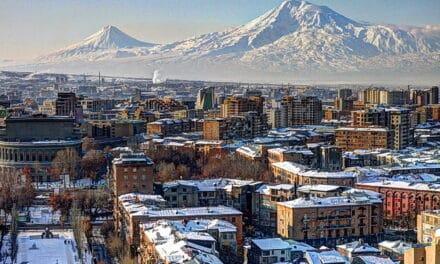 """Primer ministro de Armenia tilda de """"intento de golpe de Estado"""" el llamamiento del Ejército para que dimita"""