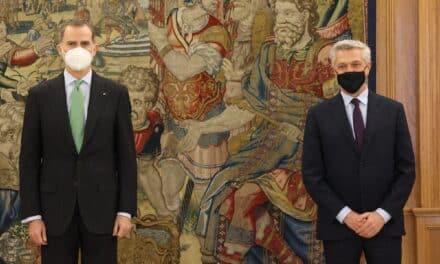 Su Majestad el Rey recibió en audiencia al Alto Comisionado de las Naciones Unidas para los Refugiados (ACNUR), Filippo Grandi, que visita oficialmente España