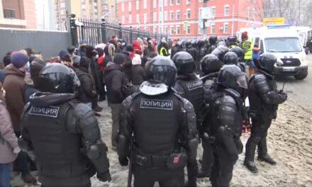 Continúa detenciones y protestas en Rusia