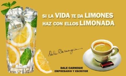 Si la Vida te da limones… La frase positiva del día. Sobrecito de azúcar