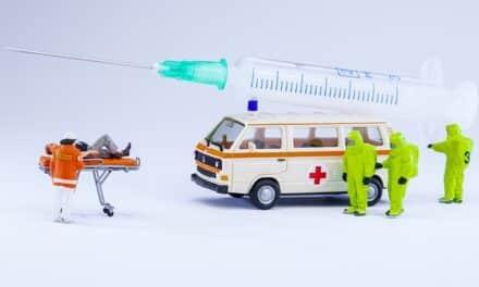 ¿Debe ser obligatorio vacunarse contra el COVID-19? Lo que opinan los expertos de la OMS