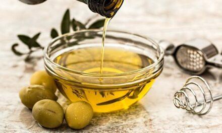 El Ministerio de Consumo defenderá en NutriScore los beneficios nutricionales del aceite de oliva