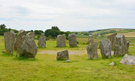Instalan un círculo megalítico en Salas de los Infantes, Burgos