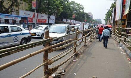 Incendio en un edificio de oficinas en Calcuta (India) deja nueve fallecidos