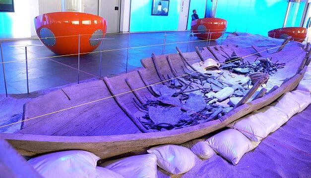 El barco fenicio de Mazarrón pasará a conservarse en el Museo ARQUA de Cartagena