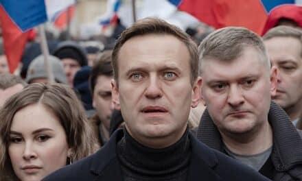 """Rusia califican como """"satisfactorio"""" el estado de salud de Navalni."""
