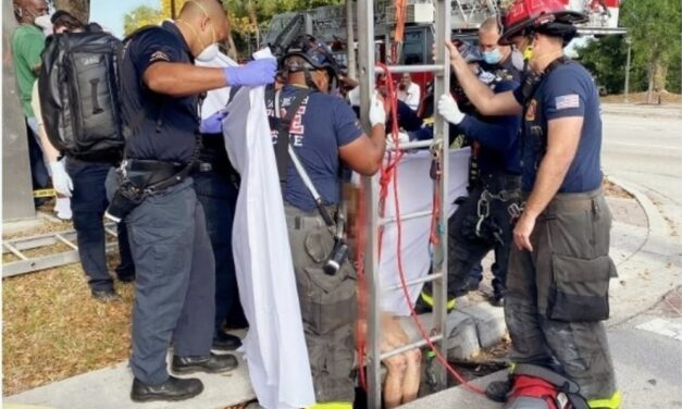 Rescatan a una mujer desnuda de una alcantarilla en Florida
