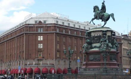Varios detenidos durante una concentración de opositores al Gobierno ruso en un hotel de Moscú