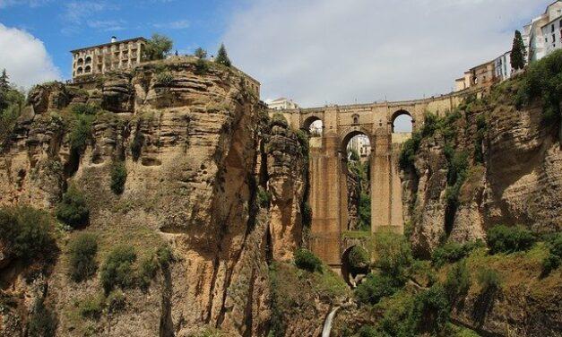 La Junta de Andalucía aprobará en unos días otros 100.000.000 de euros dentro del II Plan de Reactivación de sus pueblos y ciudades