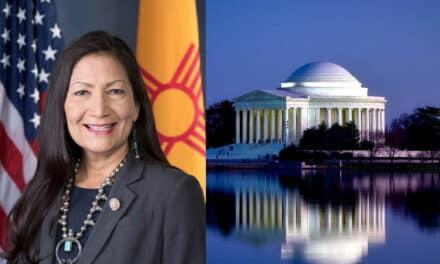 EEUU confirma a Deb Haaland como secretaria de Interior.