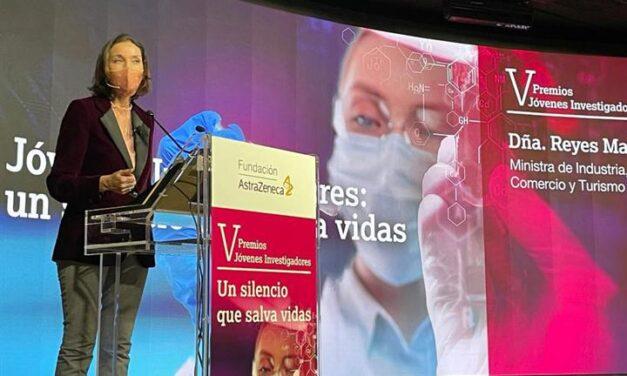 """Reyes Maroto: """"Es fundamental generar confianza en la vacunación y seguir las indicaciones de los expertos que forman parte de la ponencia de vacunas y la EMA"""
