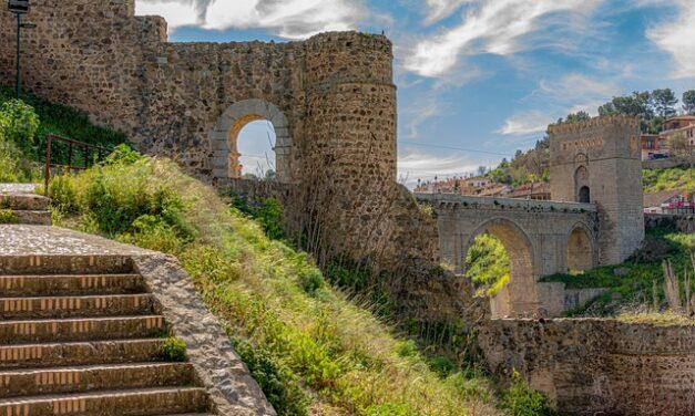 El Ministerio de Cultura y Deporte descubre en Toledo tres nuevas torres y 30 metros de muralla del Califato Omeya